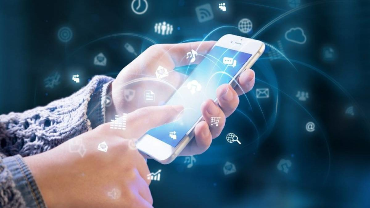 Mobile Technology – Definition, Types, Advantages, and More